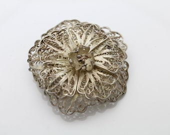 Large Vintage 900 Silver Filigree Flower Brooch. [833]