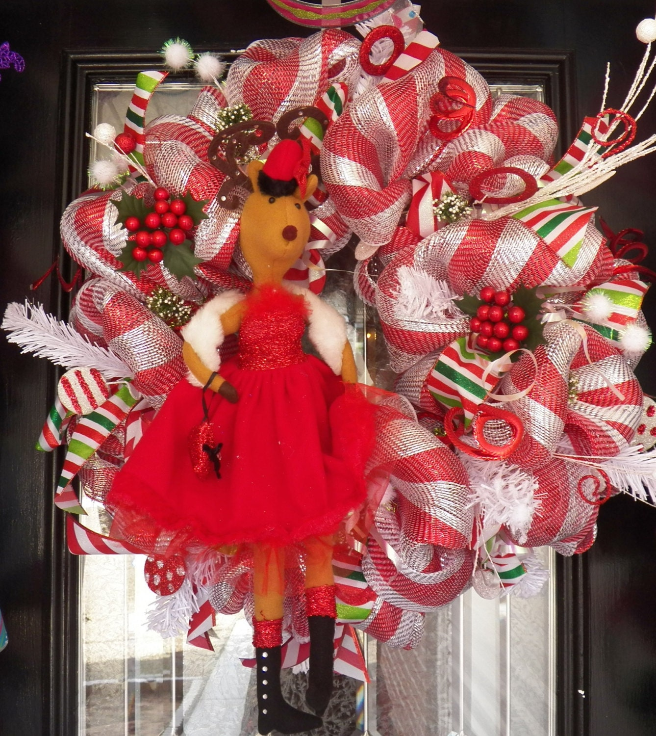 Red and White Christmas Wreath, Christmas Decoration, Holiday Wreaths, Fast Shipping