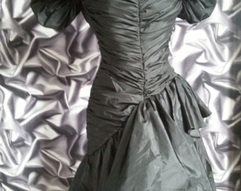 1980s Prom Dress,Puffy Sleeves, Bombshell dress, Red carpet dress
