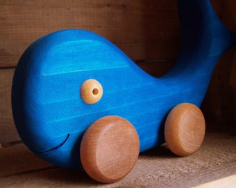 Wooden whale, Atelier Cheval de bois wooden toy