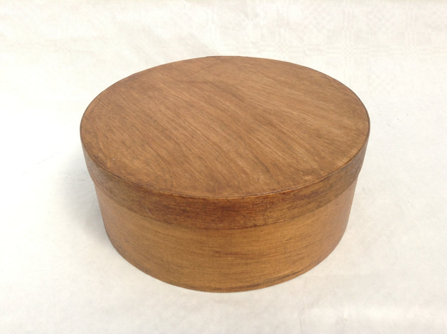 Vintage round wooden box 18 cm for Circular wooden box