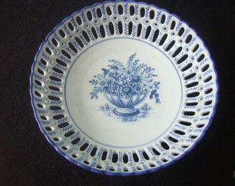 Very Pretty, Porcelain Open Weave, Fruit bowl.