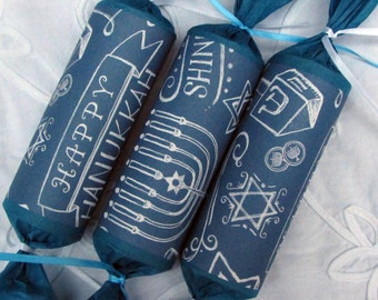 Hannukah Crackers. A gift or decor  to add to your Hannukah table or give to a special friend.
