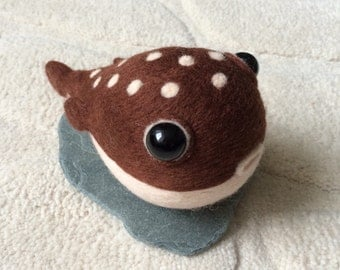 Needle felted pufferfish. Wool fish. Felt animal. Fibre art. Needle felted gift