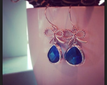 Bow tie earrings, faceted gems