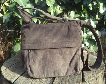 Brown corduroy zippered bag