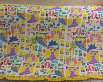 Bright colored Owl Cuddle Fleece Blanket Baby size
