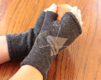 Upcycled Fingerless Gloves, Grey Argyle, Merino. Med-Large