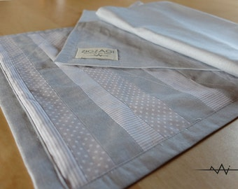 Table runner grey stripes and polka dots, patchwork