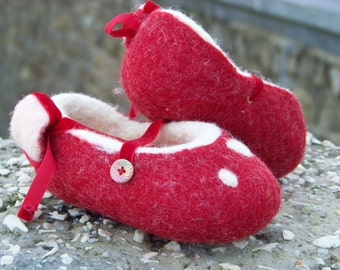 Natural Wool red dancers