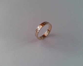 "Wedding Band ""Hammered"""