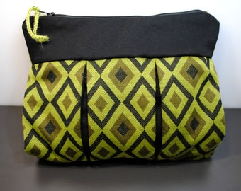 Handmade Makeup Pouch, Cosmetic Pouch, Cosmetic & Toiletry Storage, Zipper Pouch