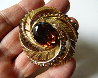 Dazzling-signed-Trifari-Brooch- On sale for 40 dollars