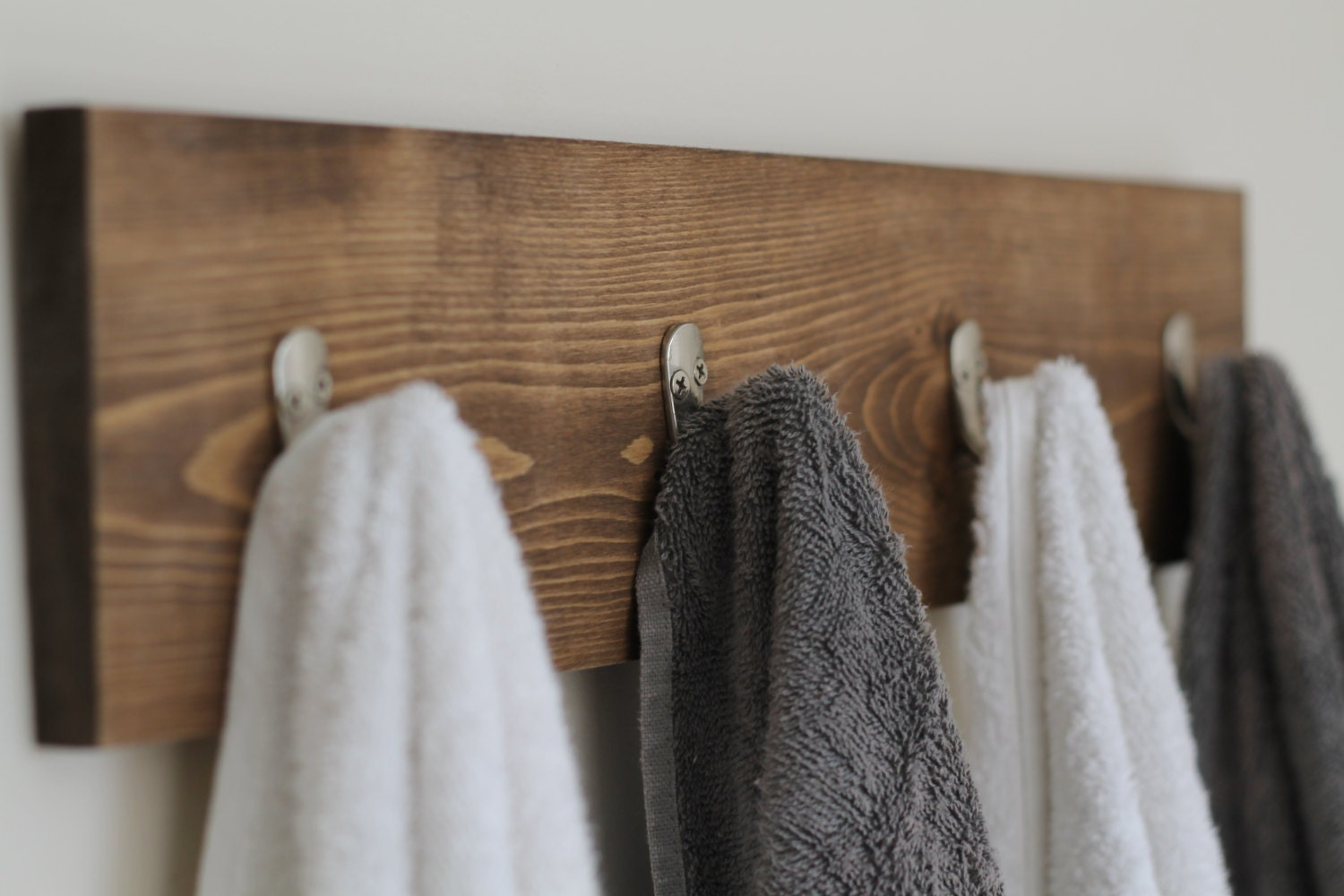 rustic wooden towel rack towel rack towel hooks rustic. Black Bedroom Furniture Sets. Home Design Ideas