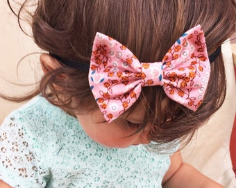 SALE: Pink Flowering Vines baby bow - infant bow - newborn headband