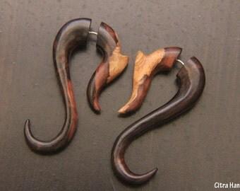 Fake Gauge Earrings, Hook Earring w Tribal Design, Sono Wood Fake Piercing, Organic, Split, Handcarved