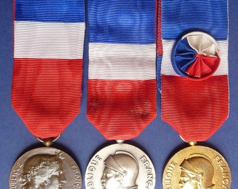 Superb Group Of Three French Medals Issued By The Minister of War/Defence To Named  Female Recipient. Medals Dated 1976, 1979 and 1984