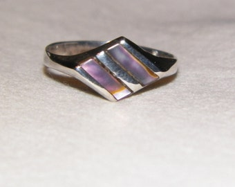 Beautiful vintage 925 abalone shell ring