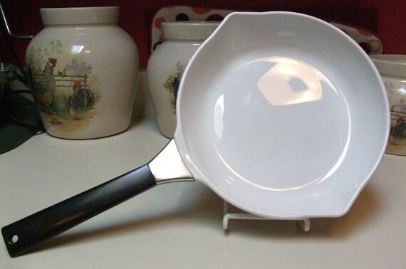 Vintage Corning Ware P 908 B Skillet Open Frying Pan 8 1 2