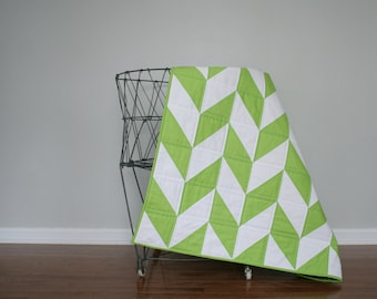 Herringbone Baby Quilt. Granny Smith apple green !