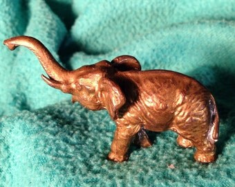 Mini vintage elephant cast metal