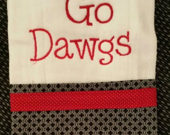 Embroidered burp cloth with Go dawgs