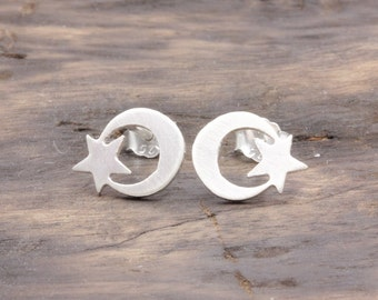 925 stering silver crescent moon and star stud earrings (R_00035)