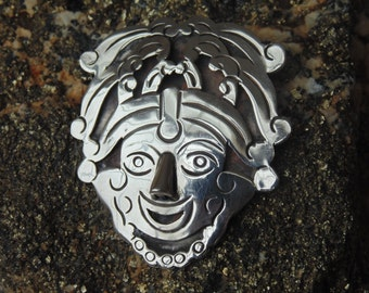 Los Ballesteros Sterling Silver Shadowbox Smiling Face Pendant / Brooch