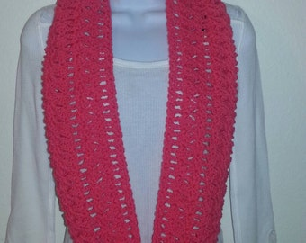 Lacy infinity scarf pink
