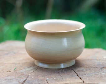 Hand Turned Sycamore Bowl H 7.4 cm x D 11.6 cm