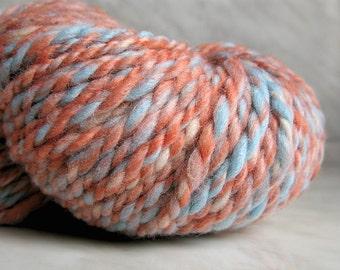 Bulky wool handspun yarn Peach tweed  5.36 oz 114 yards 23 mc / 150 g 102 m melange tweed yarn scarf snood yarn