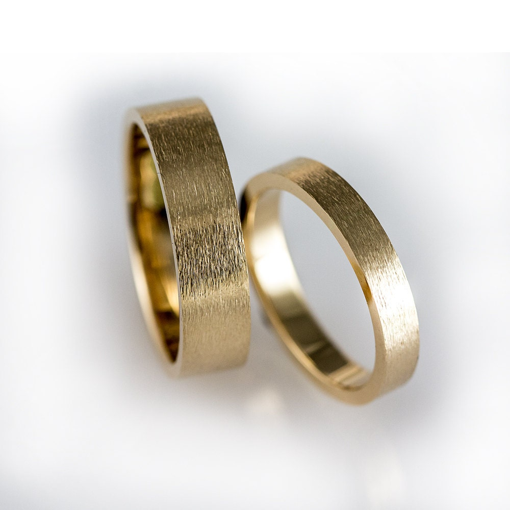 yellow gold wedding band set matching wedding bands simple