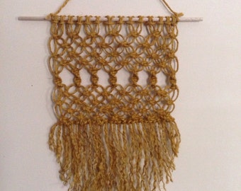 SALE// Macrame Wall Hanging