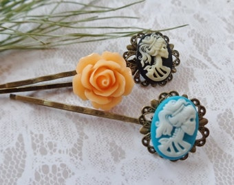 Petite She Skull And Flower Hair Clips
