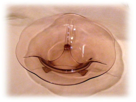 PINK DEPRESSION GLASS . . Vintage Serving Bowl . . Great Investment