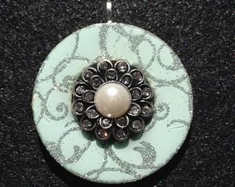 Pearl Flower (Reversible Pendant)