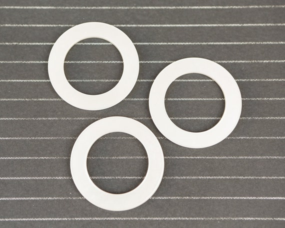 3 large pearl plastic round rings 48mm diameter by for Large plastic rings for crafts
