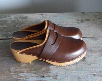 Soviet Vintage Wooden Shoes Vintage Wooden Clogs Footwear Wood Shoes Platform Shoes Wood and Leather Brown Glogs