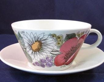 Arabia of Finland, Valmu, Esteri Tomula, Tea cup and saucer