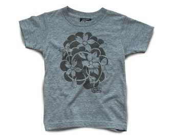 Under My Skin • Blossoms • tee shirt
