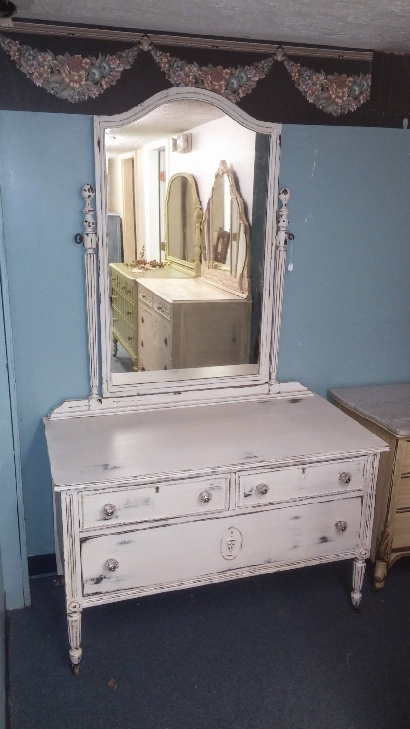 Shabby Chic Distressed Cream Dresser With Large Over Sized Mirror