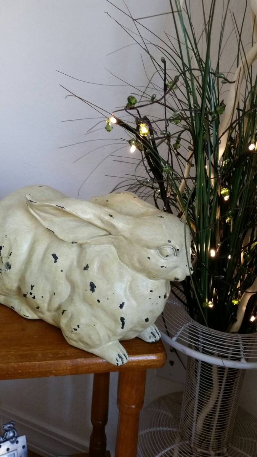 Chippy shabby rabbit figure home decor by tessystreasuretrunk for Rabbit decorations home