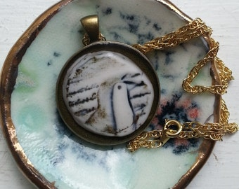 porcelain jewellry dish for your favourite necklace
