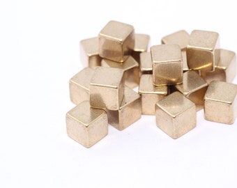 20 Pcs 6mm Raw Brass Cubes, Cube Blank ,geometric blank , Square, Metal Blank ,Stamping Blank , PA8