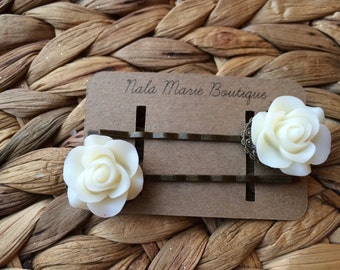 White Vintage Resin Flower Bobby Pins