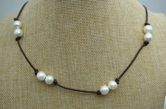 Round Freshwater Pearl And Leather Lariat Necklacegrey Pearl