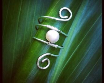 Fresh water pearl swirl ring // Genuine fresh water pearl // Wire wrapped jewelry // Hawaiian jewelry // Boho // Wave // Inspired by nature