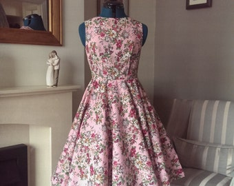 Lovely Pink Floral Dress With Full Circle Skirt UK 10