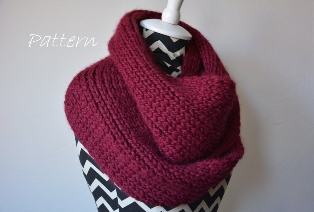 Knitting Pattern For Beanies : Chunky Knit Scarf Pattern / Infinity Scarf Knitting Pattern