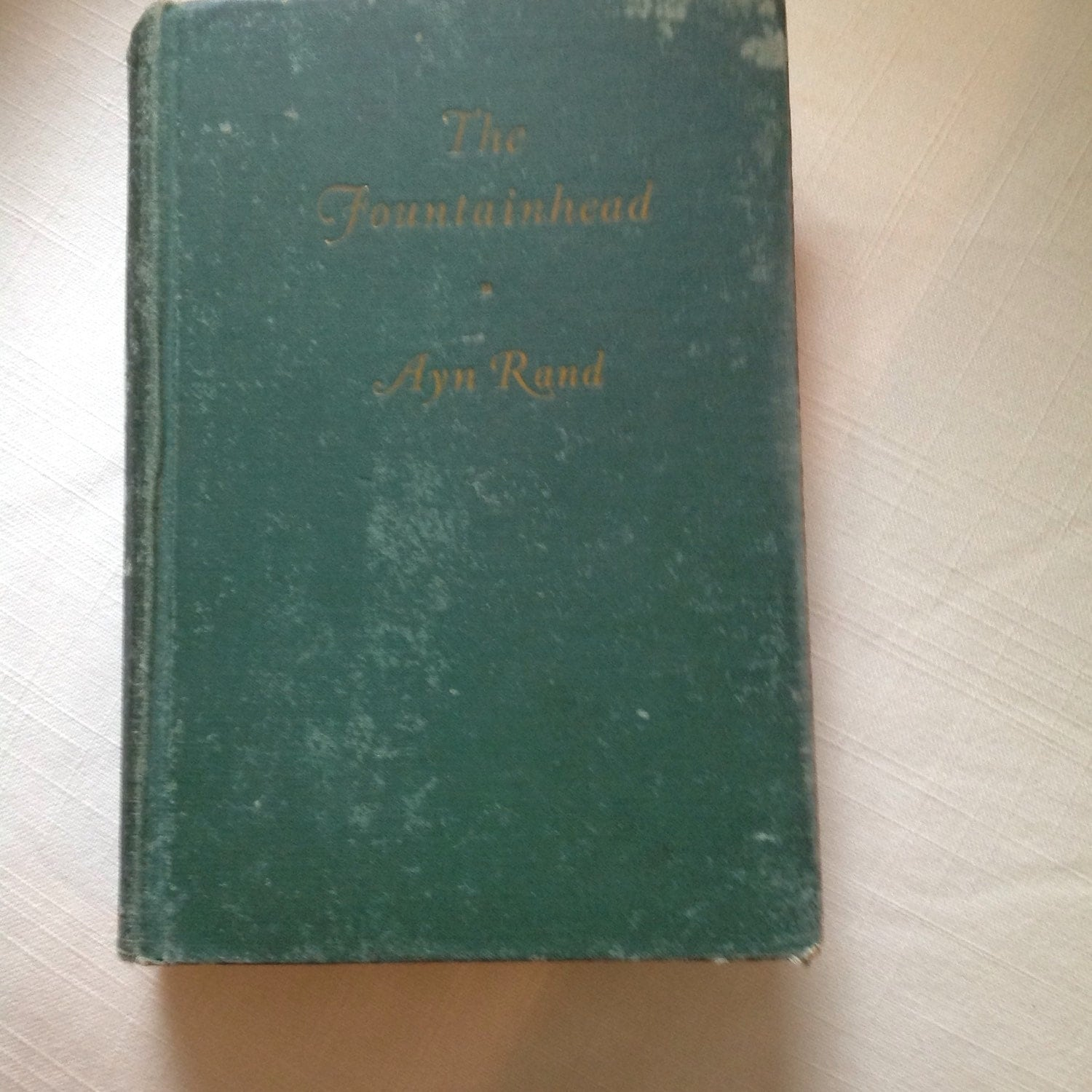 the fountainhead by ayn rand an Ayn rand is the author of anthem, the fountainhead, and atlas shrugged, and numerous non-fiction essays on philosophy, ethics, politics, art, and literature her philosophy, objectivism, has gained a worldwide audience of adherents and admirers.